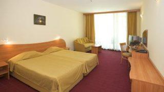 В «Калина Гарден» имеются стандартные номера, connected rooms и просторные апартаменты-suite.