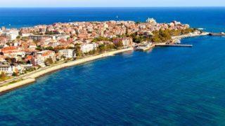 Поморие — небольшой городок в Болгарии, между Бургасом и Несебром.