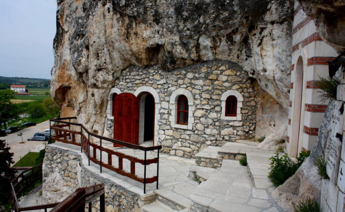 Kamennye-cerkvi-Ivanovo-Bolgarija