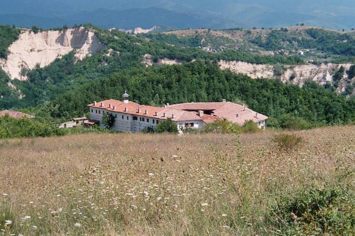 Rozhenskij-monastyr-Bolgarija