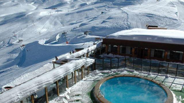 Valle-Nevado-glavnyj-gornolyzhnyj-centr-Chili