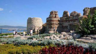 По легенде Митрополийскую церковь строили на развалинах храма Аполлона