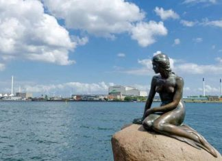 Statuja-rusalochki-v-Kopengagene