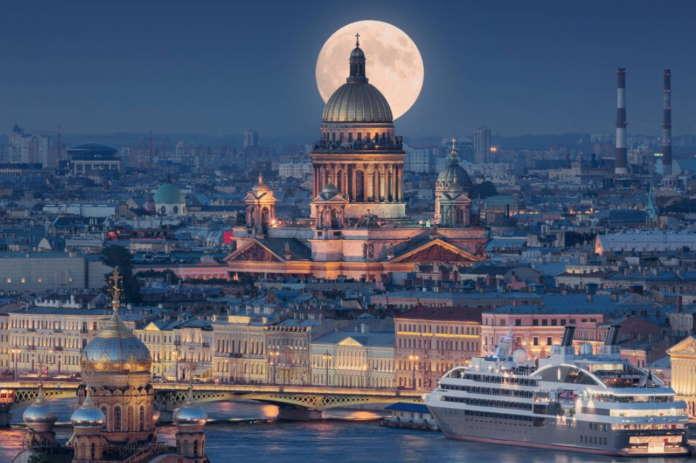 История возникновения Санкт-Петербурга. Необычные обзорные экскурсии по городу самостоятельно